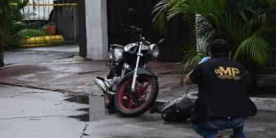 Un hombre fue ultimado a balazos dentro de un restaurante en la zona 10 capitalina.