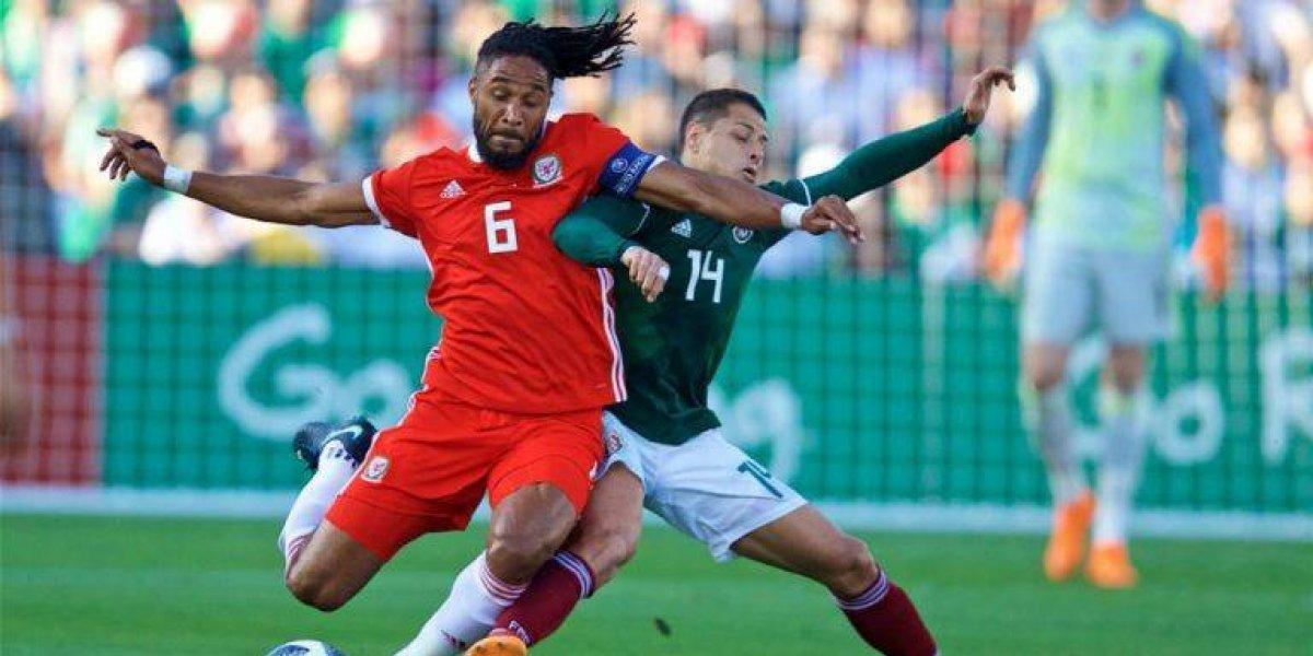 Ashley Williams sufrió de un pulmón perforado en el partido contra México