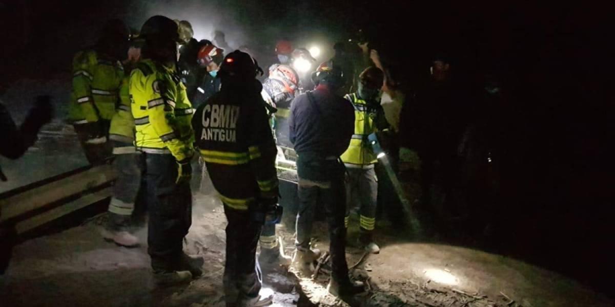 Explosión de volcán en Guatemala provoca cierre de aeropuerto y evacuaciones