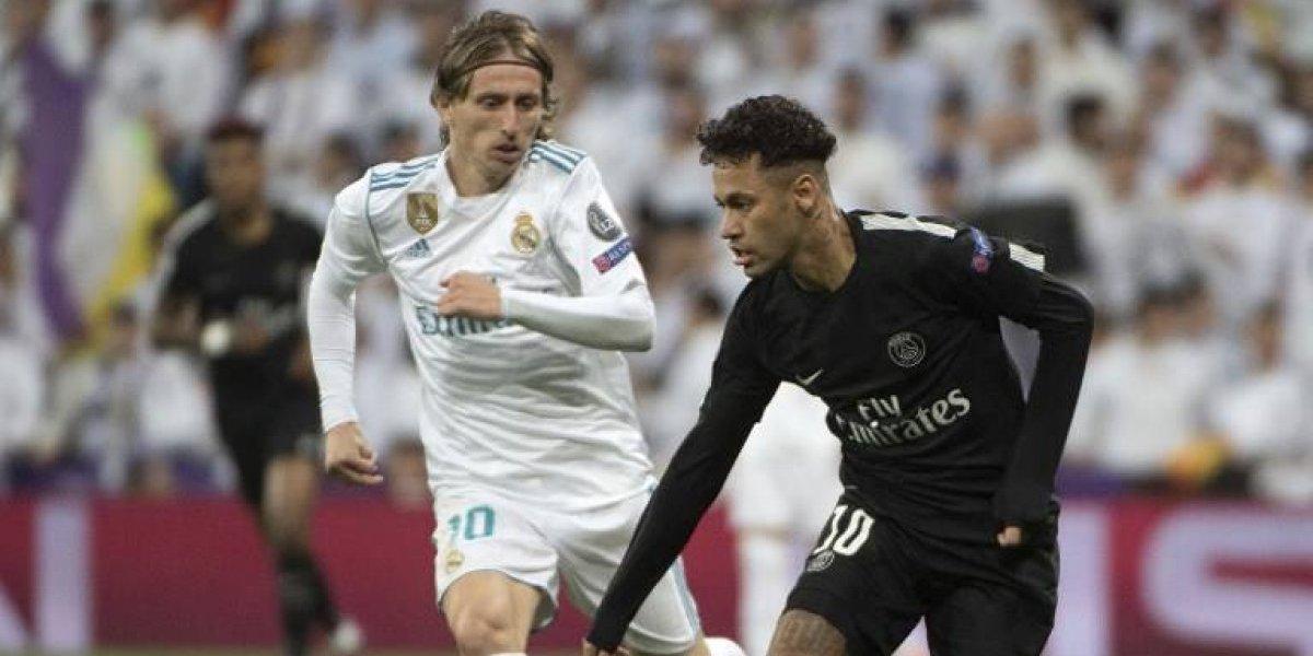 VIDEO. Jugadores del Paris Saint-Germain y del Real Madrid intercambiaron autógrafos