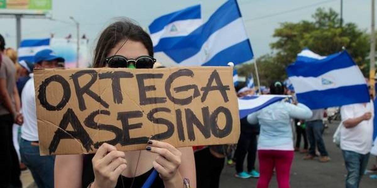 """Cientos de nicaragüenses en EEUU. Piden a OEA que  condene la """"dictadura genocida"""" de Ortega"""