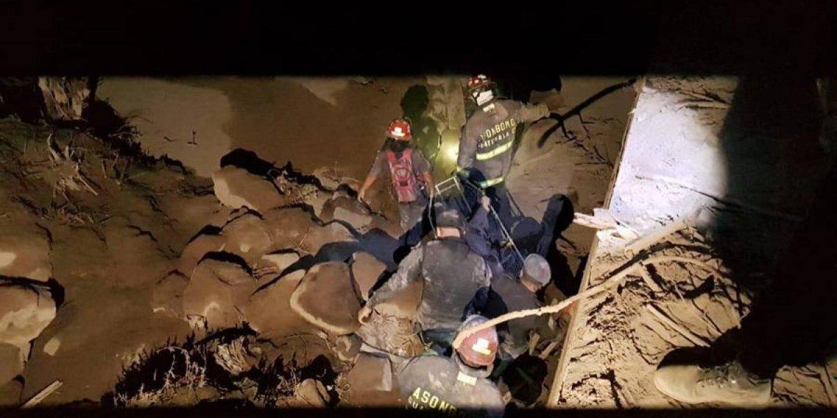 """Socorrista por erupción: """"Hay niños atrapados todavía, nuestro principal objetivo es salvar vidas"""""""