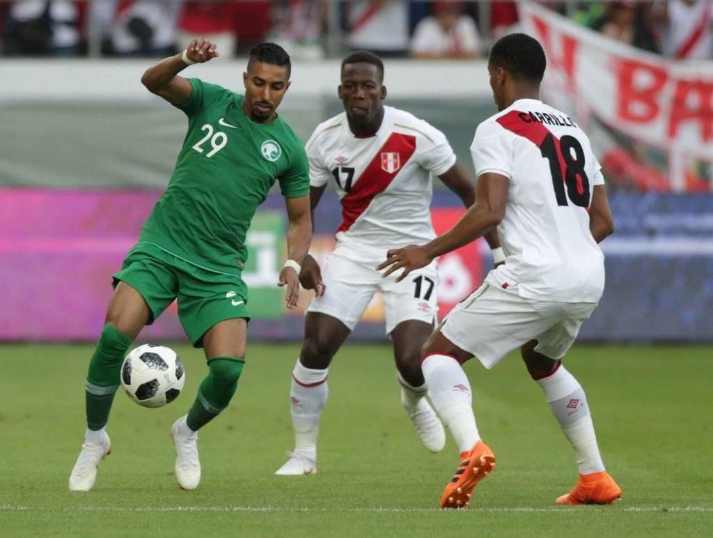 Acción del juego entre peruanos y árabes