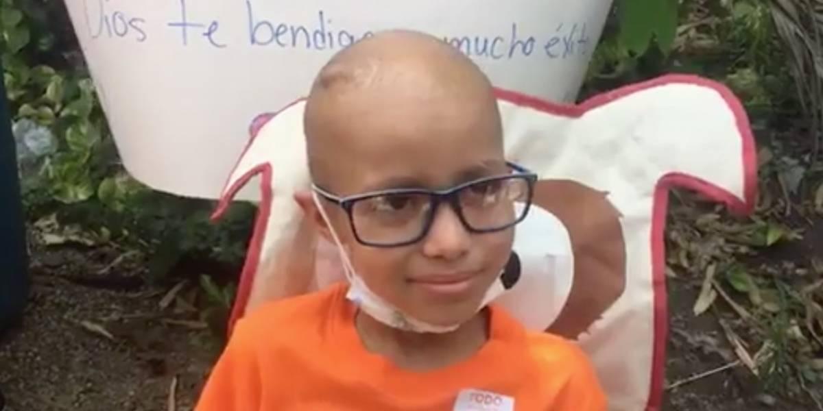 Niño sobreviviente de cáncer agradece labor de Raymond Arrieta