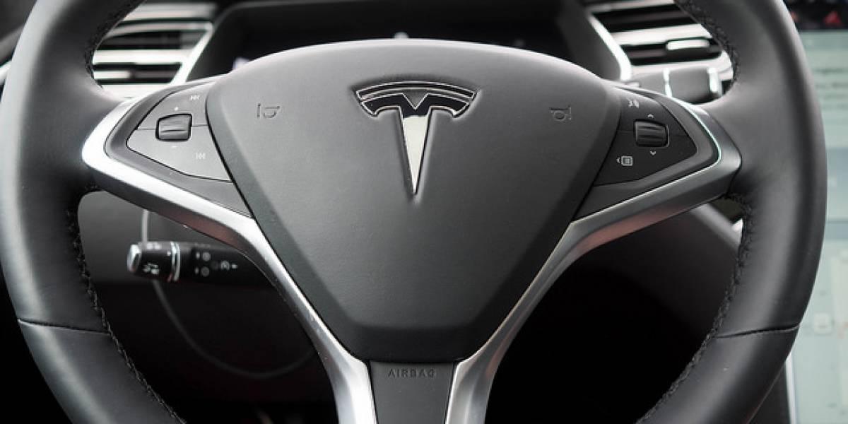 Elon Musk augura gran caída en el precio de las baterías eléctricas, ¿se viene el fin del auto a combustible?