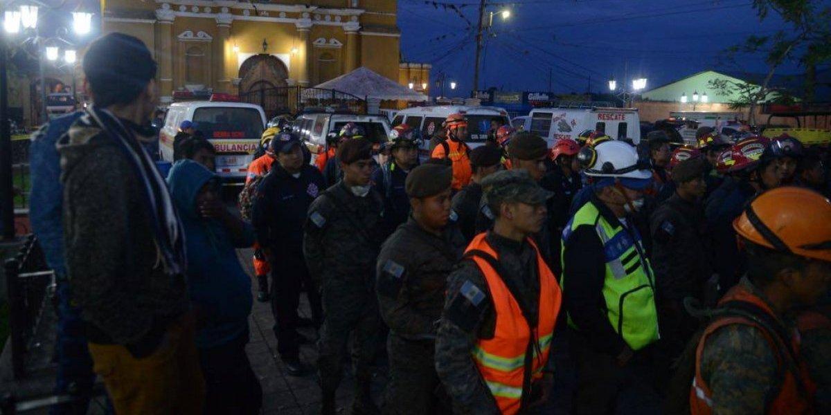 Cuerpos de socorro reinician las labores de rescate de víctimas de la erupción del Volcán de Fuego