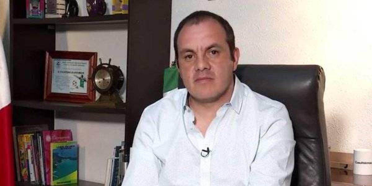 VIDEO: Cuauhtémoc Blanco le manda la playera del América a AMLO
