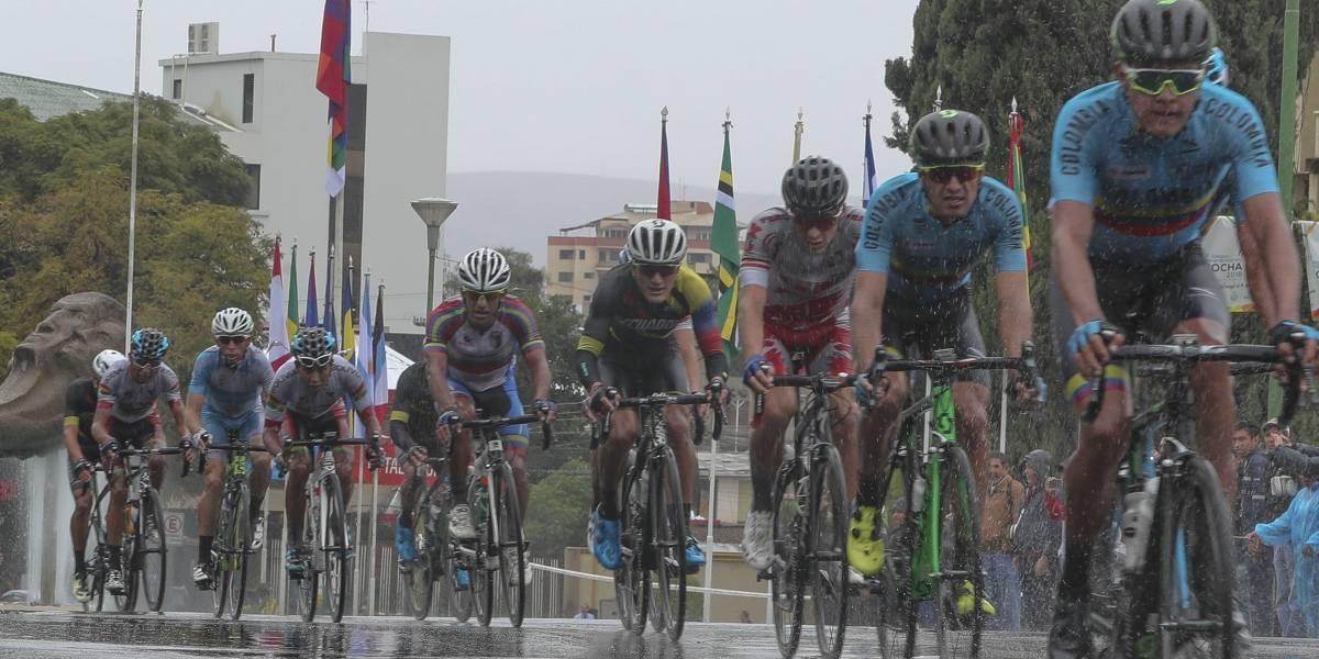 Ciclista colombiano y dos personas más resultan heridos durante competencia