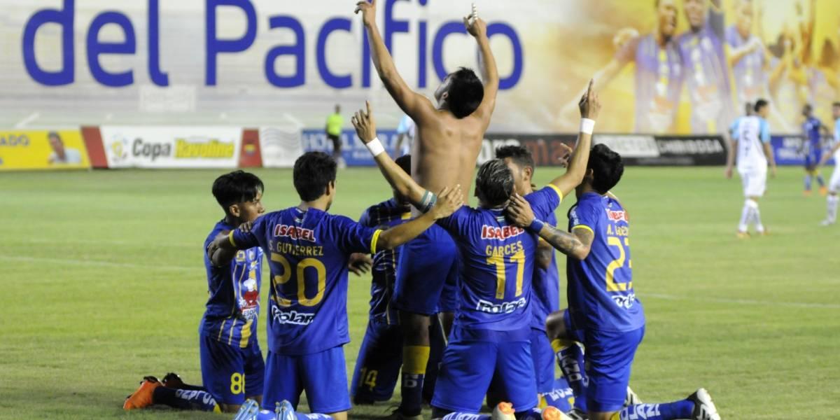 Delfín venció 5-2 a Universidad Católica en el estadio Jocay