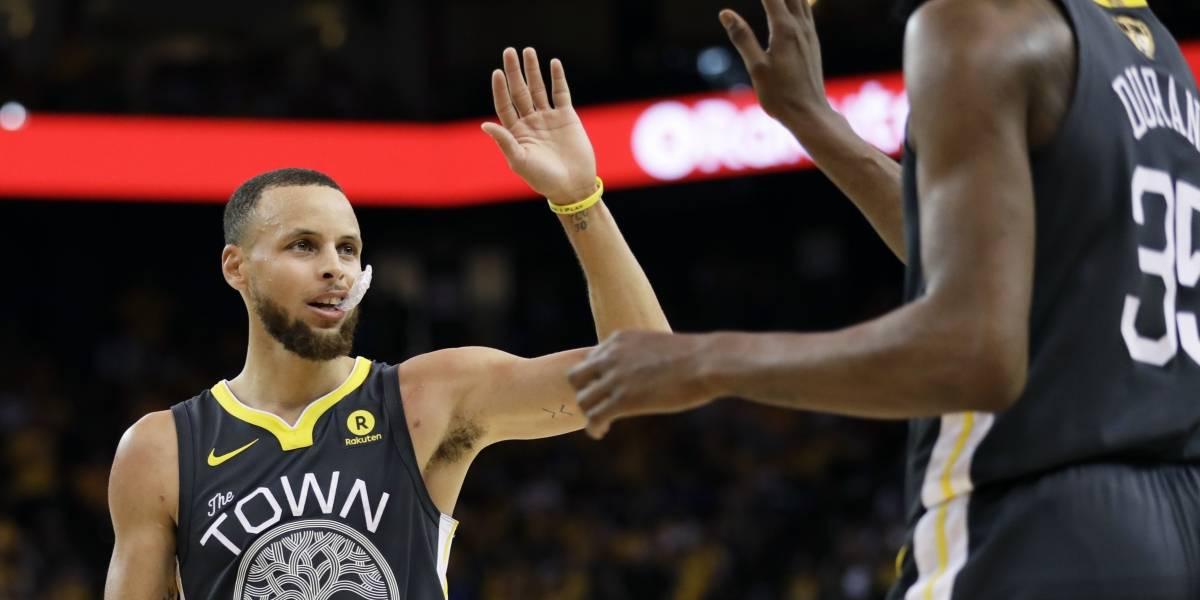 Golden State Warriors amplió su ventaja ante Cleveland Cavaliers con un impresionante Stephen Curry