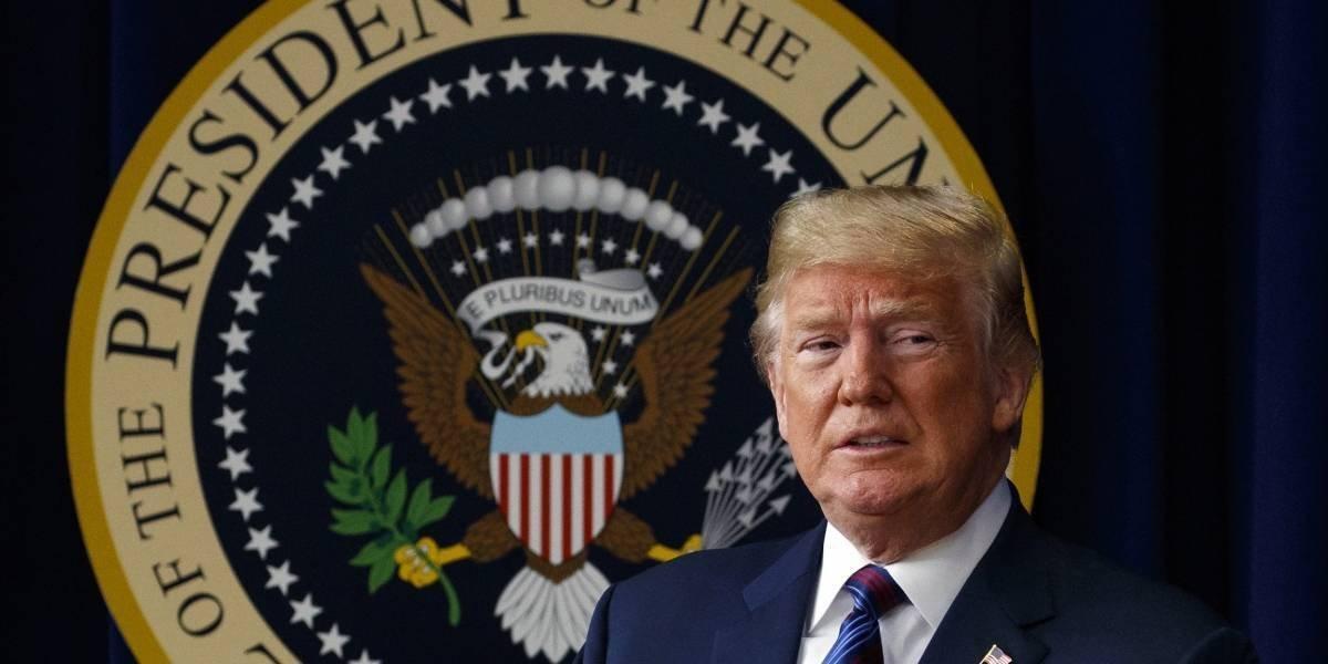 """Trump dice que tiene """"derecho absoluto"""" de otorgarse perdón presidencial"""