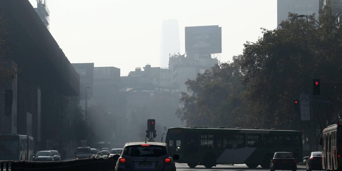 Alerta ambiental este martes: prohiben circulación de vehículos sin sello verde y motos anteriores a 2002