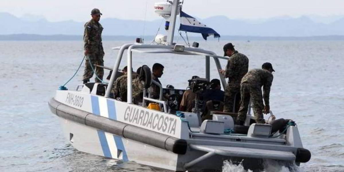 Buscan barco desaparecido con 8 centroamericanos en Honduras