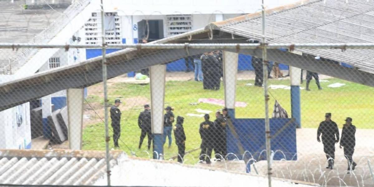 Internos inconformes por traslados realizan disturbios en centro correccional