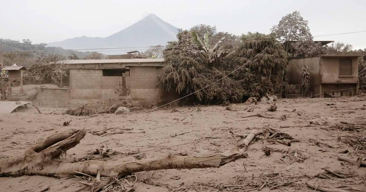 Casa destruída em San Miguel Los Lotes, na Guatemala Foto: REUTERS/Luis Echeverria