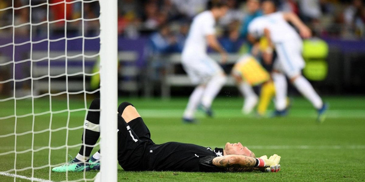 VIDEO: Golpe de Ramos causó conmoción a Karius