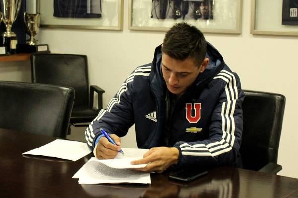 El lateral firmó un nuevo vínculo con la U / imagen: Sitio web oficial Universidad de Chile