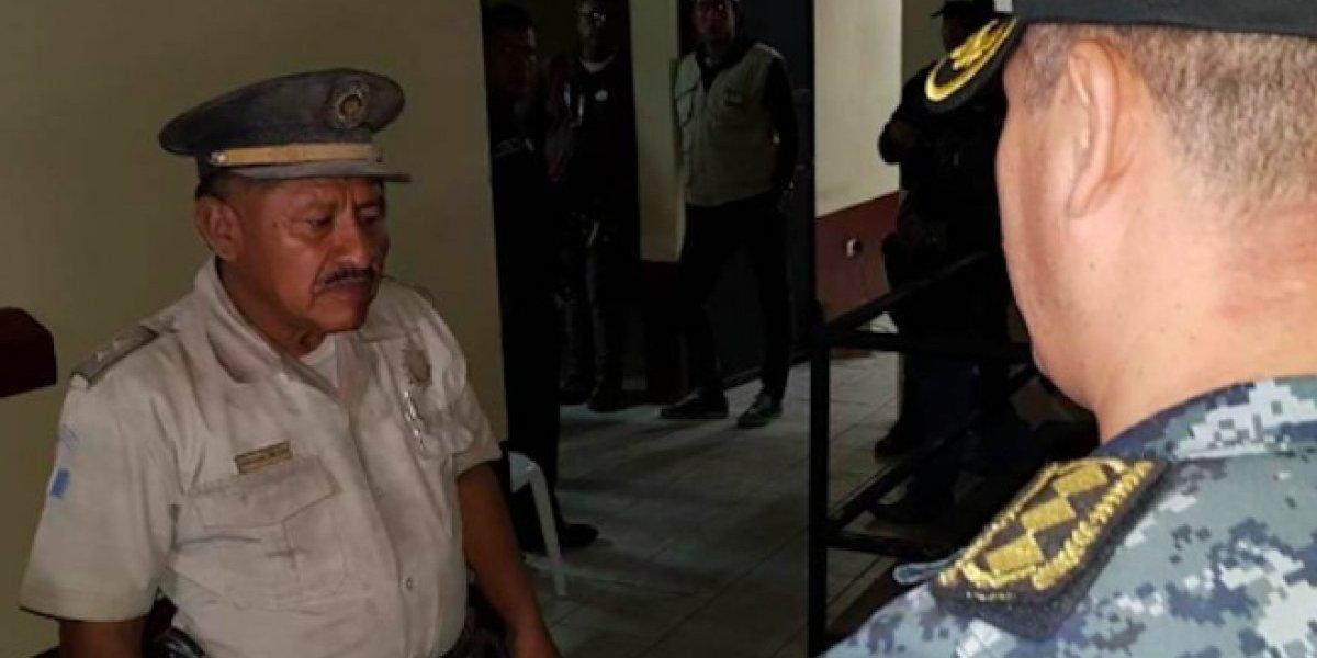 PNC realiza ardua labor tras la tragedia, el oficial Zetino es uno de los héroes