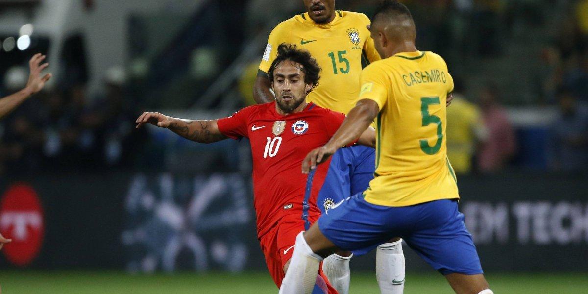 """Valdivia apuntó sus duros dardos contra Pizzi por quedar fuera del Mundial: """"Fue por la preparación de los partidos"""""""