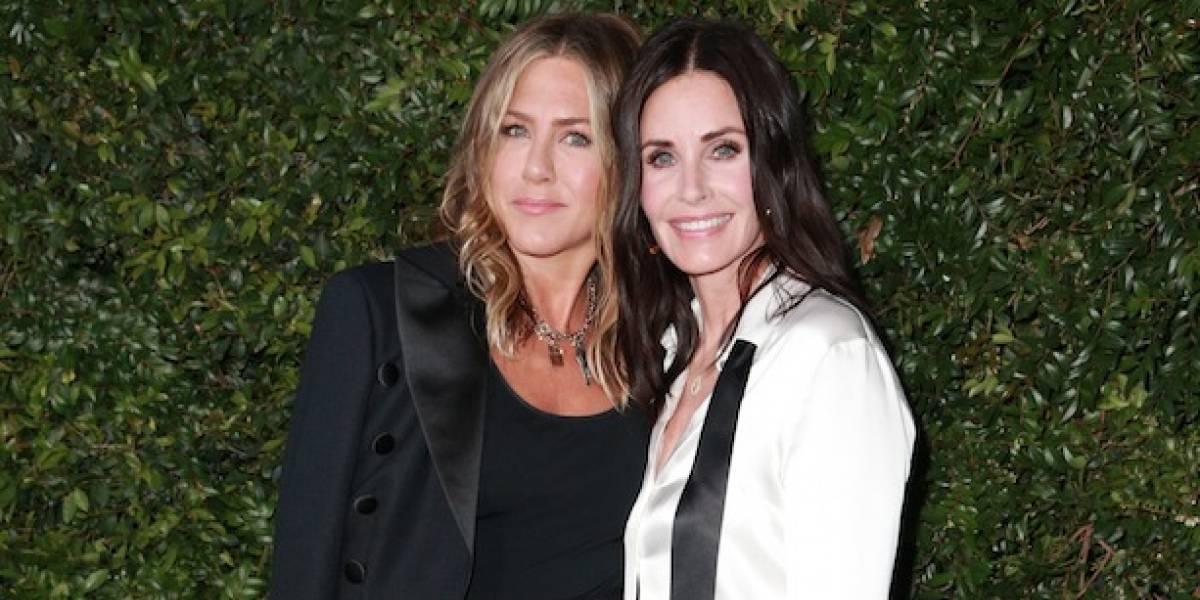 Jennifer Aniston será dama de honra do casamento da amiga Courteney Cox