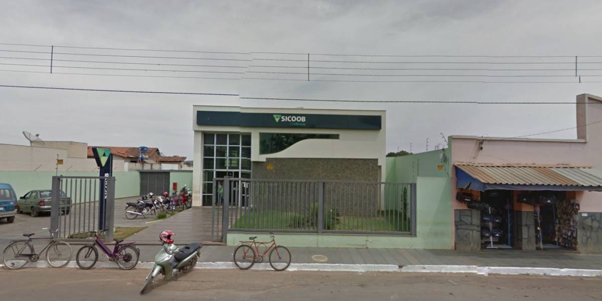 Bandidos amarram bomba em refém durante assalto em Minas Gerais