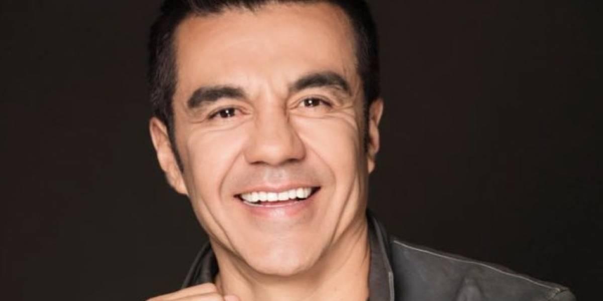 Adrián Uribe reaparece públicamente para la graduación de su hijo