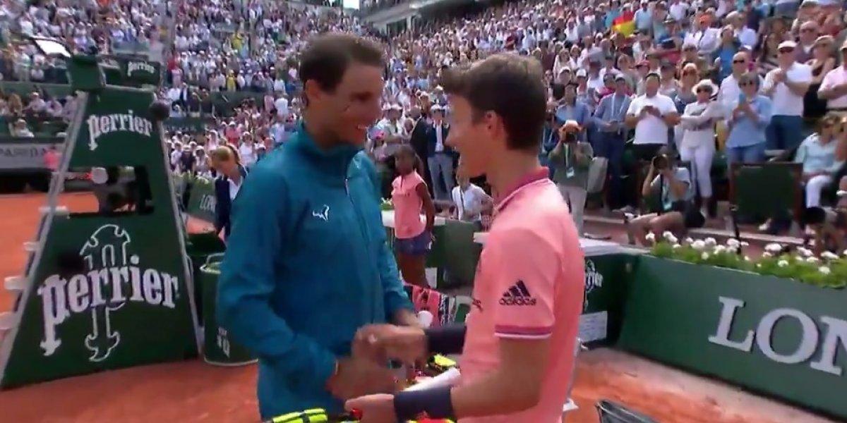 VIDEO: Rafael Nadal cumple sueño de niño en Roland Garros