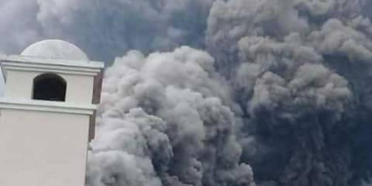 Guatemala decreta 'Calamidad pública' por erupción de volcán: VIDEO