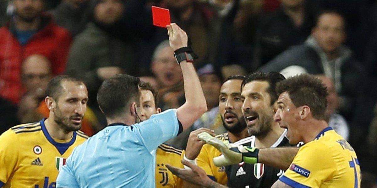Buffon recibió duro castigo tras ser expulsado en el escandaloso duelo con Real Madrid en la Champions