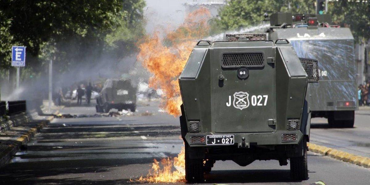 350 molotov lanzadas a Carabineros VS estudiantes heridos: Violencia policial es analizada en Cámara de Diputados