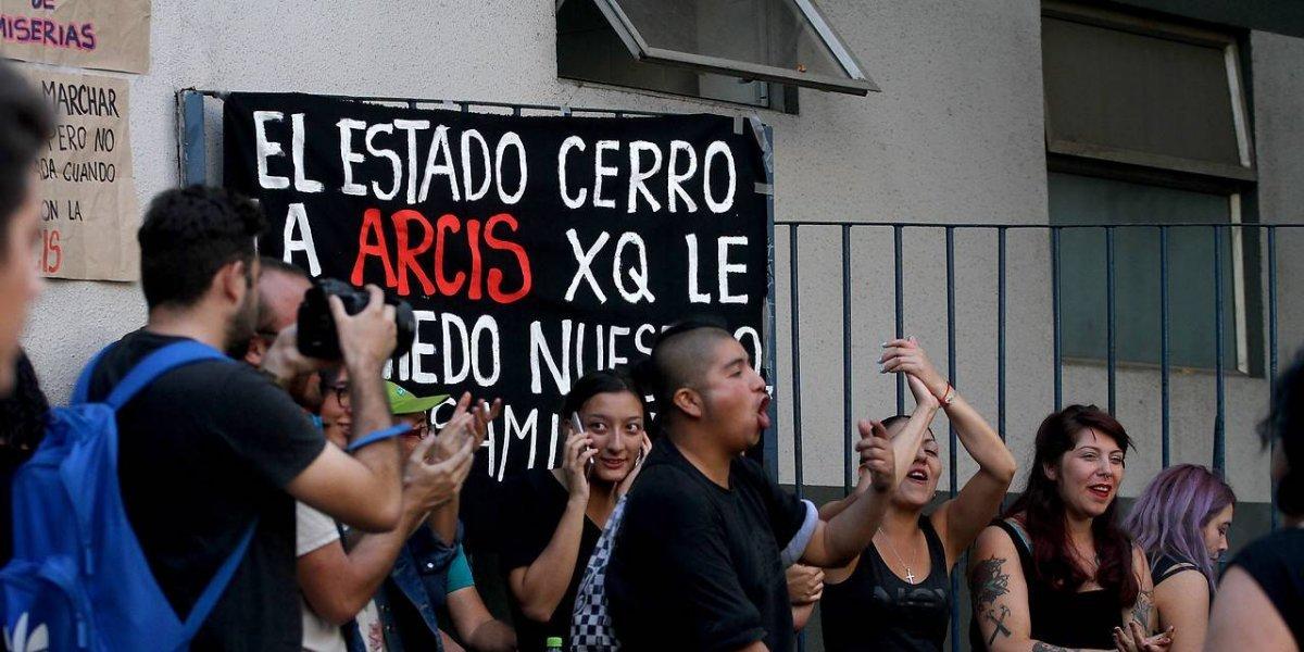 ¿Y mi matrícula?: Corte de Apelaciones rechaza recurso de estudiantes contra el cierre de Arcis