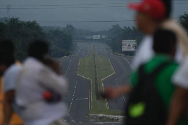 autopista Palín Escuintla cerrada por actividad del volcán de Fuego