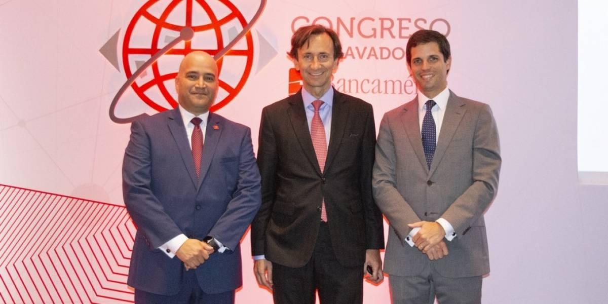 #TeVimosEn: Representantes de Bancamérica festejan junto a expositores del 9no. Congreso Antilavado