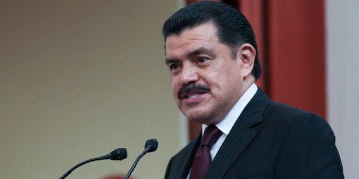 #Política Confidencial: Dan revés a Francisco Olvera