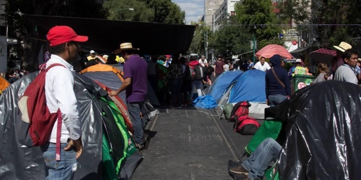 Maestros de la CNTE intentan plantarse en avenida Chapultepec