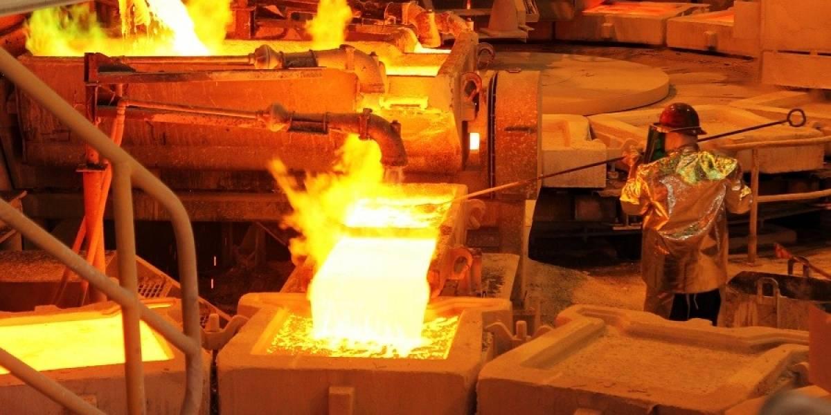 Guerra Comercial entre Estados Unidos y China hunde al cobre