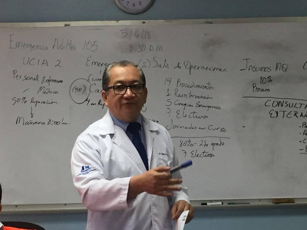 conferencia en hospital general San Juan de Dios por erupción