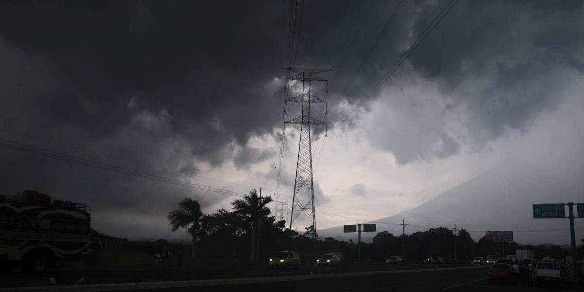 Sombrío panorama en la autopista Palín Escuintla luego de ser azotados por una fuerte lluvia
