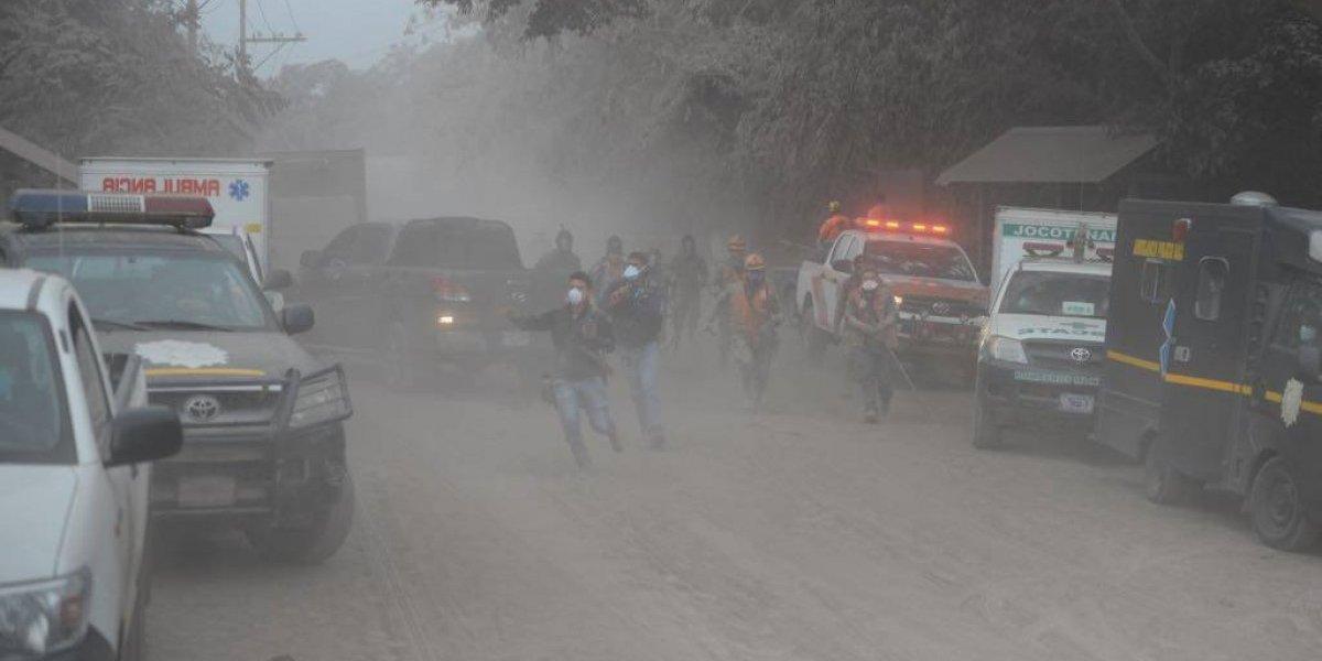 Nueva actividad del volcán de Fuego obliga evacuación de emergencia