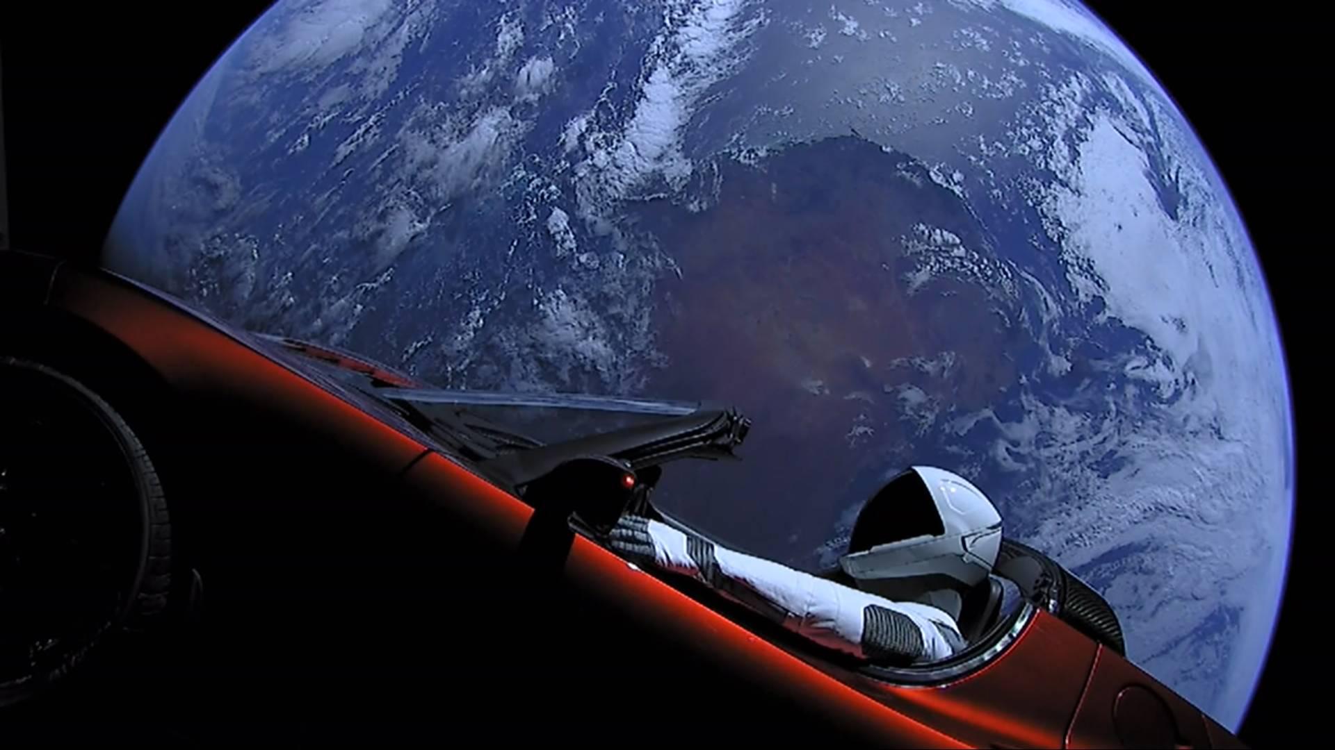 SpaceX retrasa la fecha en la que enviará turistas a la Luna