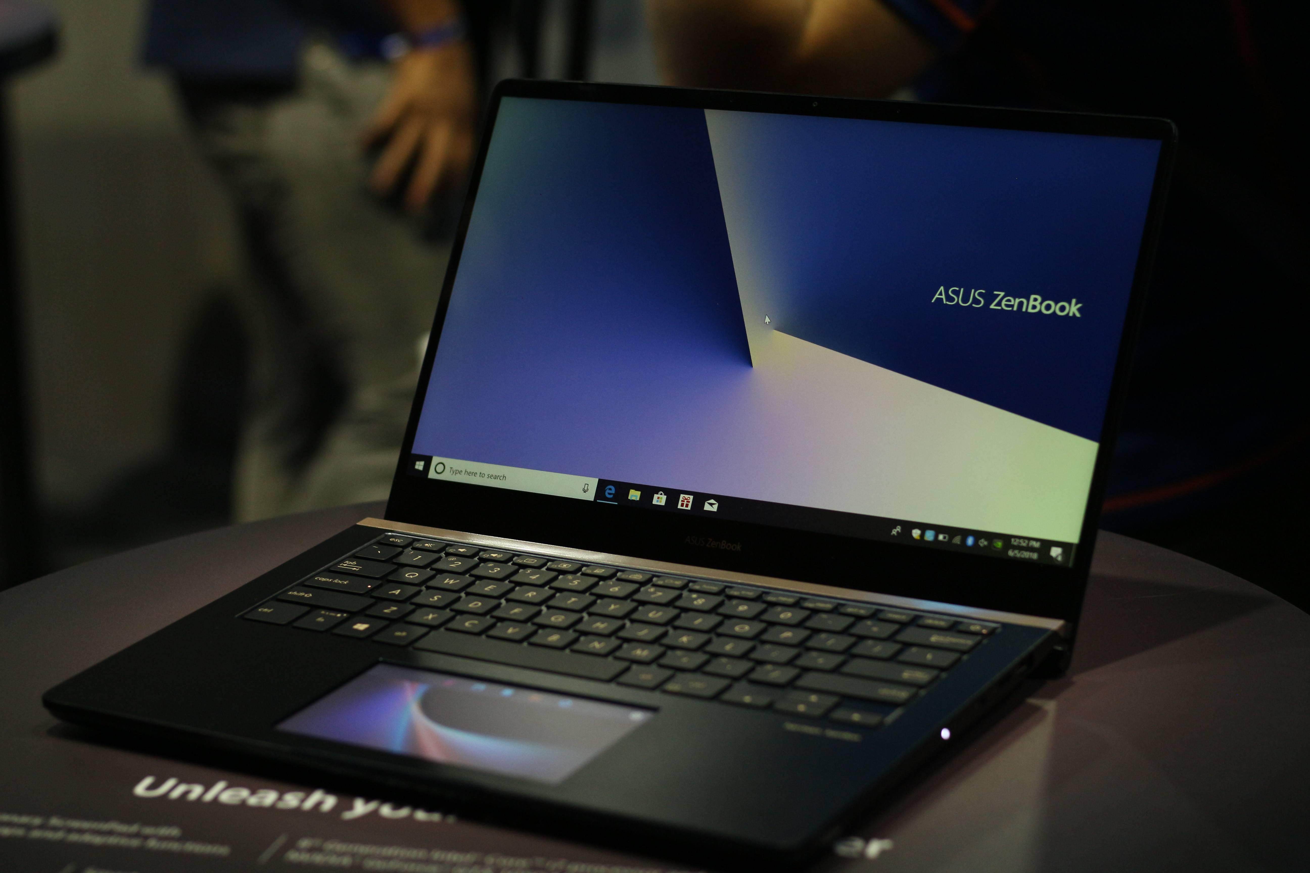 Los nuevos ZenBook Pro entran en escena con una pantalla en el trackpad #Computex2018