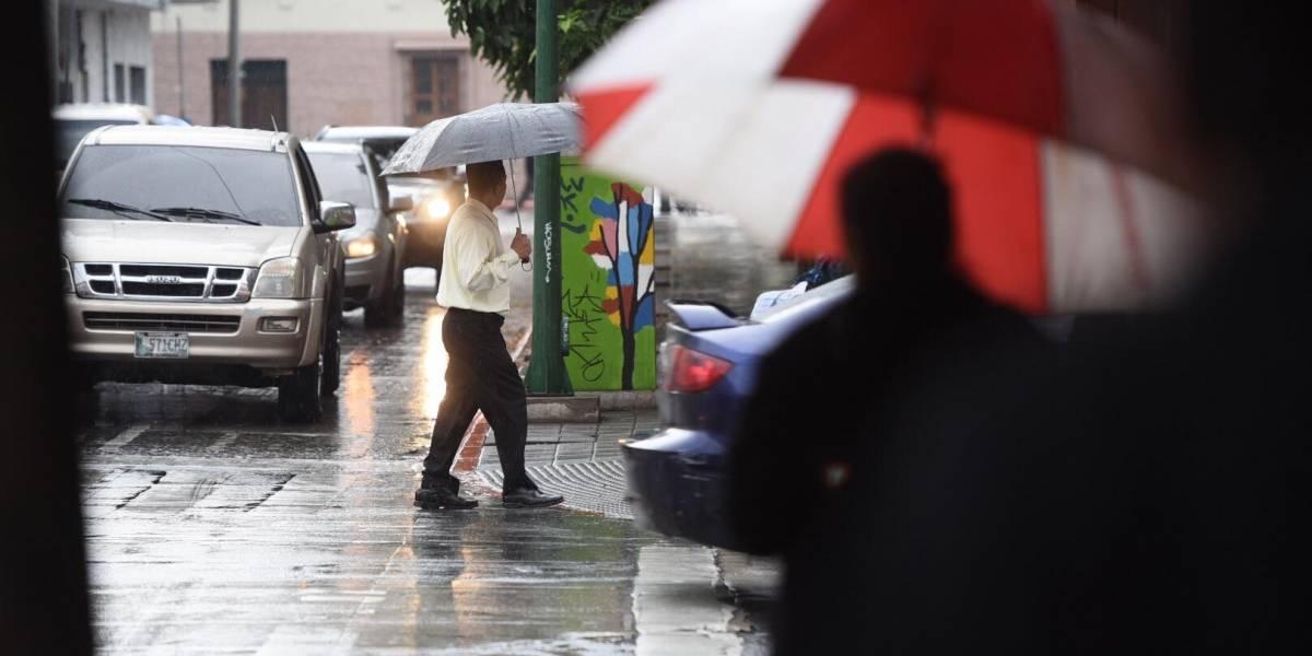 """Tormenta tropical """"Vicente"""" favorecerá las lluvias en el país durante el fin de semana"""