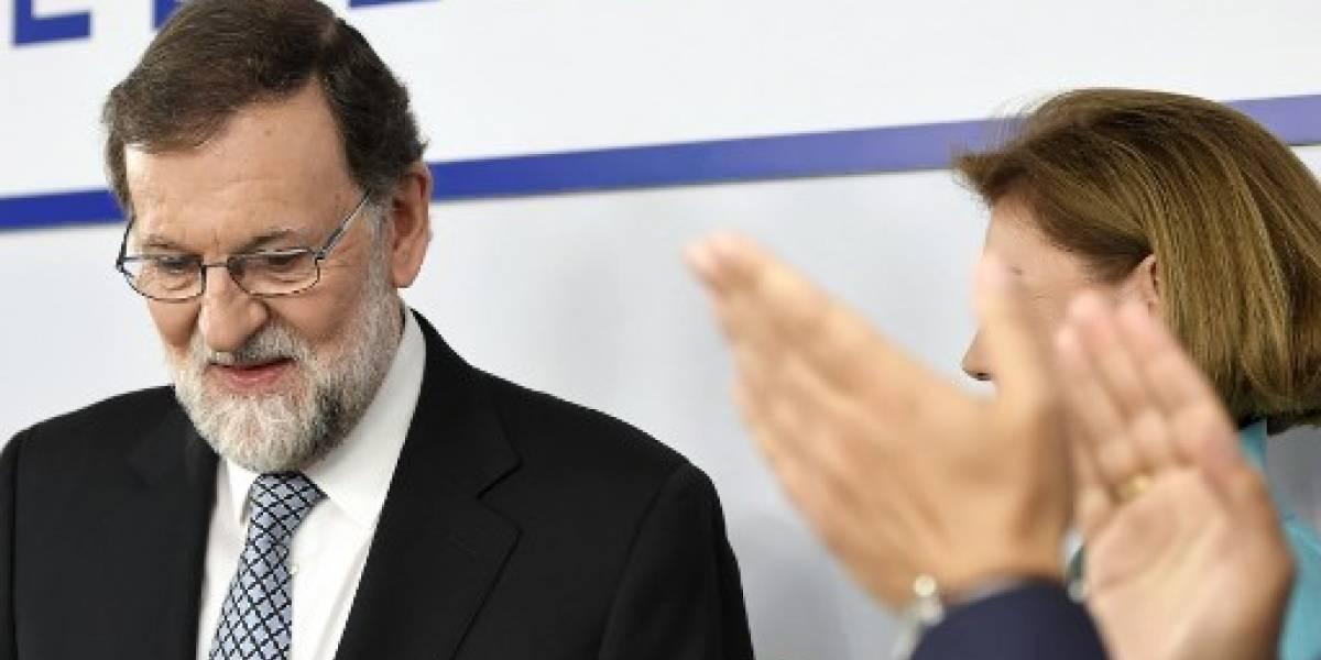 Rajoy anuncia que deja el liderazgo del conservador Partido Popular español
