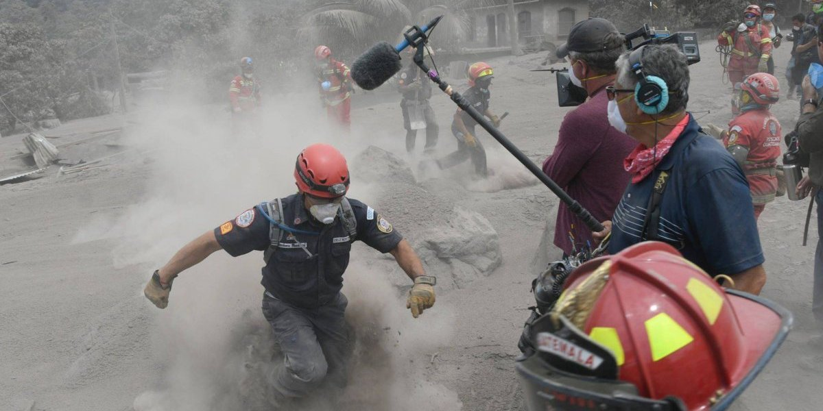 Piloto aviador y socorrista comparten sus experiencias al apoyar en la tragedia por la erupción