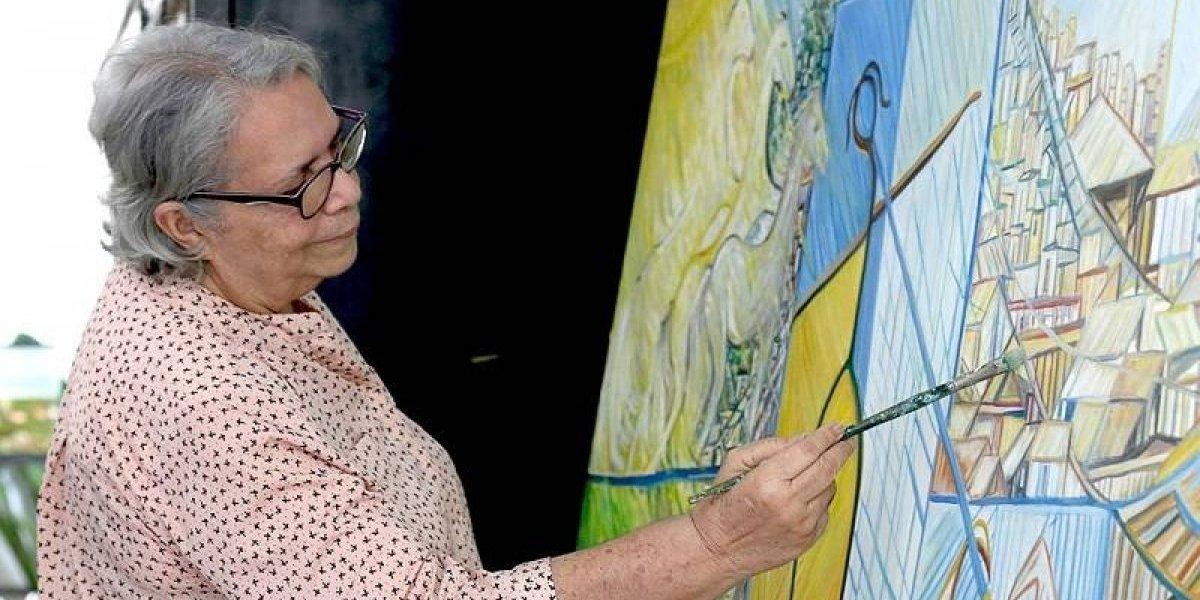 Exposición de la artista Rosa Idalia García en el Centro León