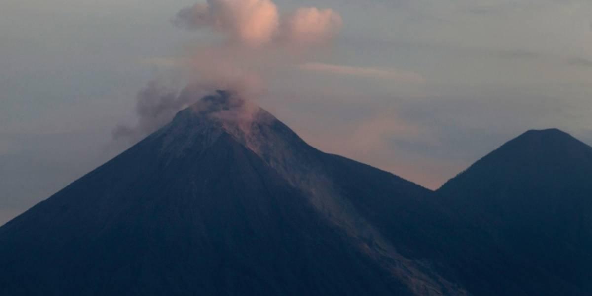 Guatemala: volcán registra entre 8 y 10 explosiones por hora