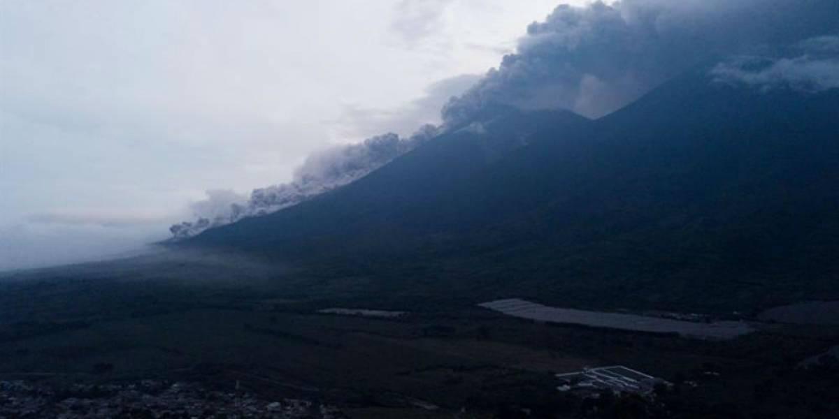 Cenizas del volcán de Guatemala podrían llegar a México