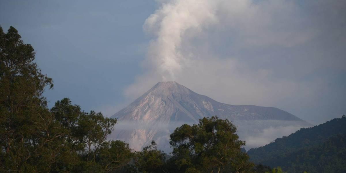 Volcán de Fuego presenta actividad este martes; experto explica las causas