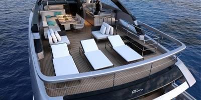 """La nave de la marca italiana """"Riva"""", cuyo modelo es el """"100 Corsaro"""""""