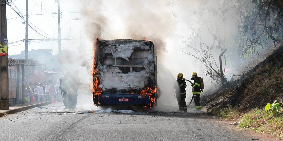 Ônibus podem parar de circular à noite em BH se ataques continuarem
